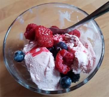 7pm to 8pm - ice cream with fresh berries